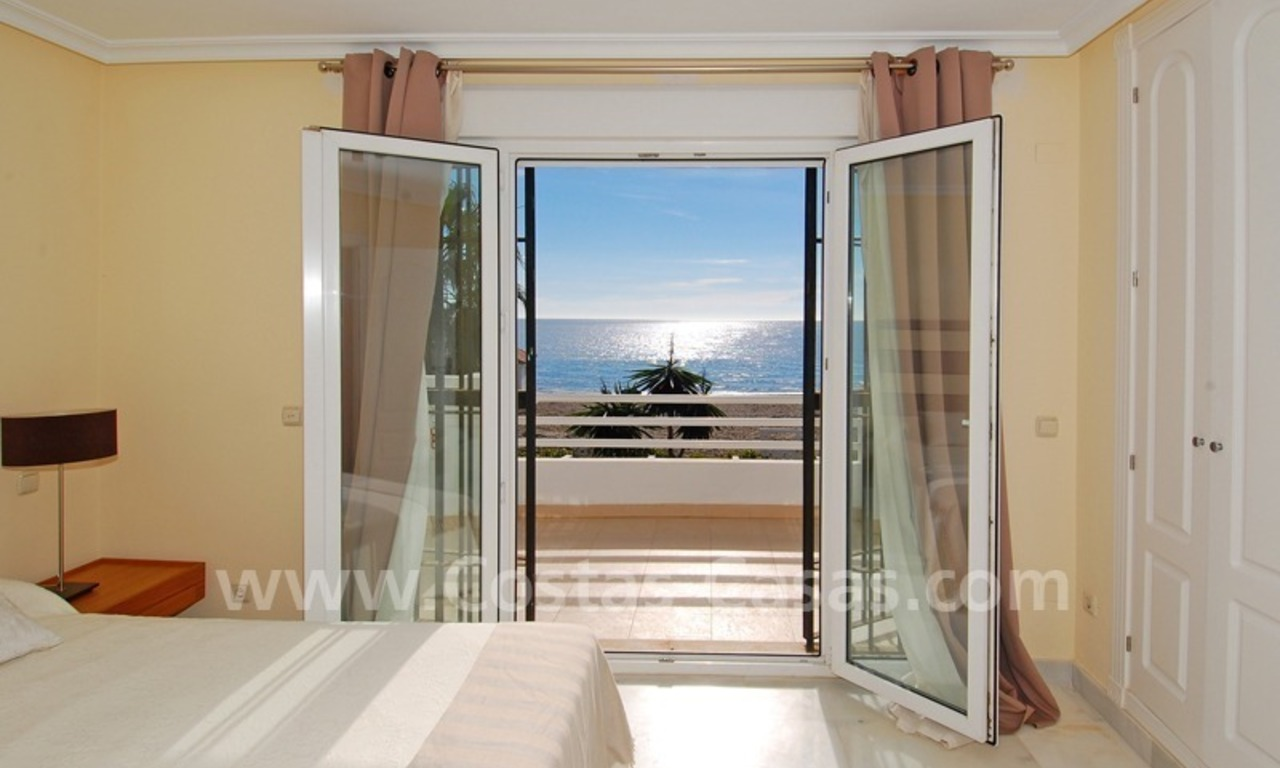 Frontline beach house for holiday rent, first line beach, Marbella - Estepona, Costa del Sol, Spain 12