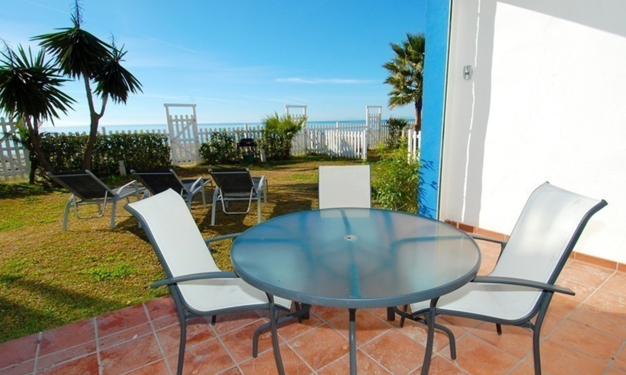 Frontline beach house for holiday rent, first line beach, Marbella - Estepona, Costa del Sol, Spain 9