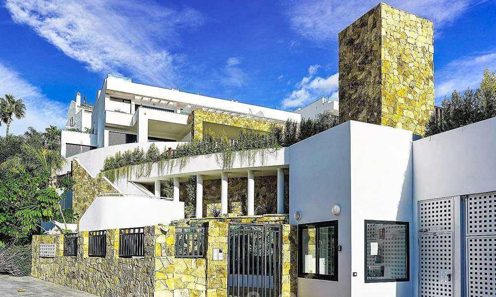 Beautiful new modern townhouse for sale on the Golden Mile, Marbella. Last unit. Key ready. 24041
