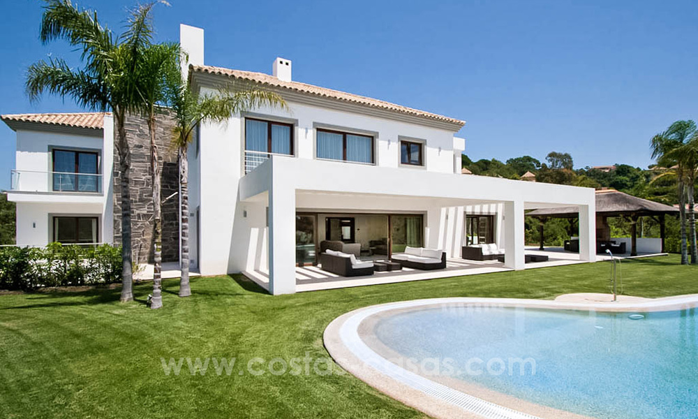 Contemporary style villa for sale in La Zagaleta between Benahavís and Marbella 22711
