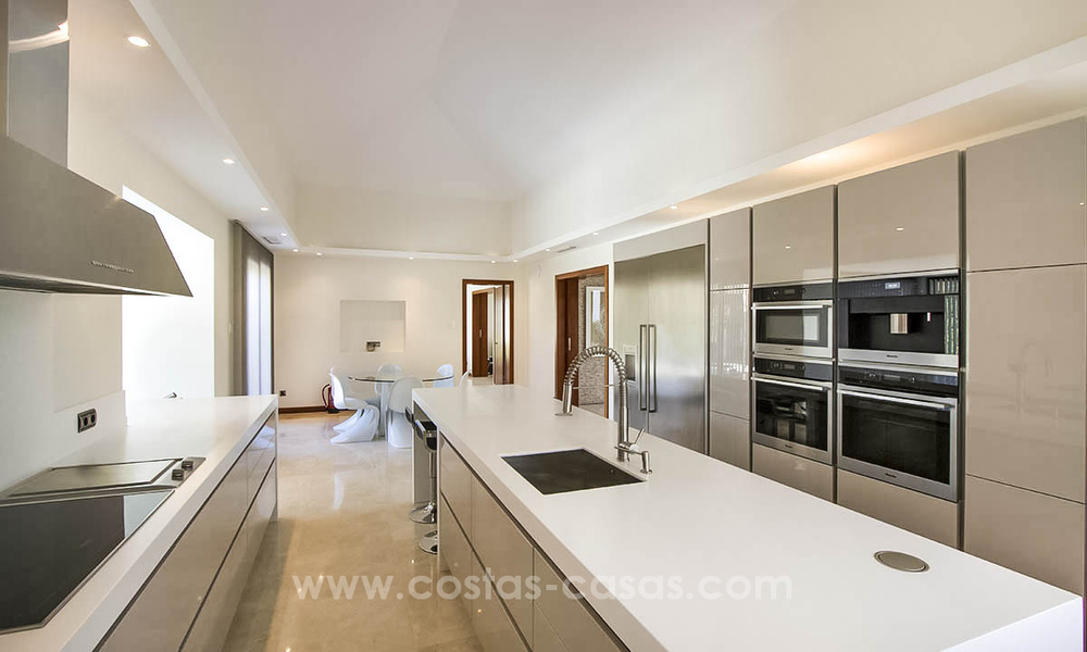 Contemporary style villa for sale in La Zagaleta between Benahavís and Marbella 22718