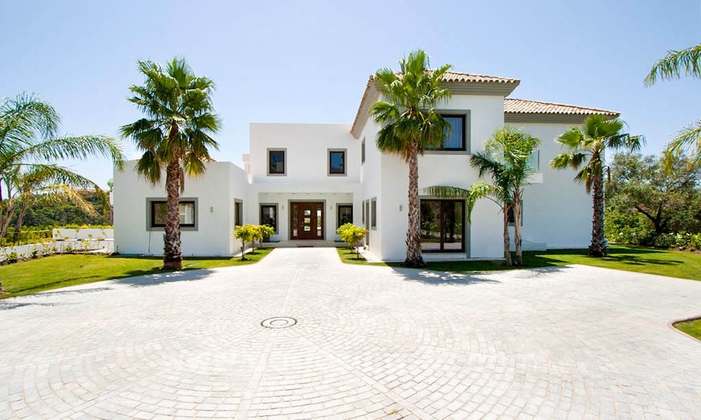 Contemporary style villa for sale in La Zagaleta between Benahavís and Marbella 22732