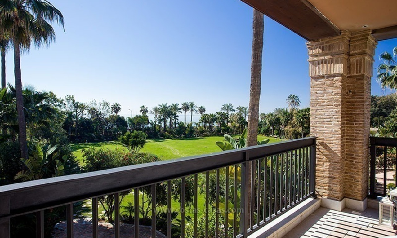 For Sale: Beachfront Luxury Apartments in San Pedro - Marbella. Opportunity: 3 bedroom apartment! 18