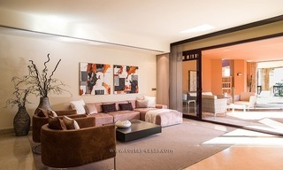 For Sale: Beachfront Luxury Apartments in San Pedro - Marbella. Opportunity: 3 bedroom apartment! 28