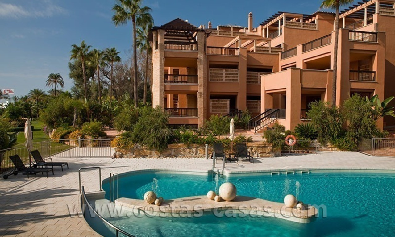For Sale: Beachfront Luxury Apartments in San Pedro - Marbella. Opportunity: 3 bedroom apartment! 43