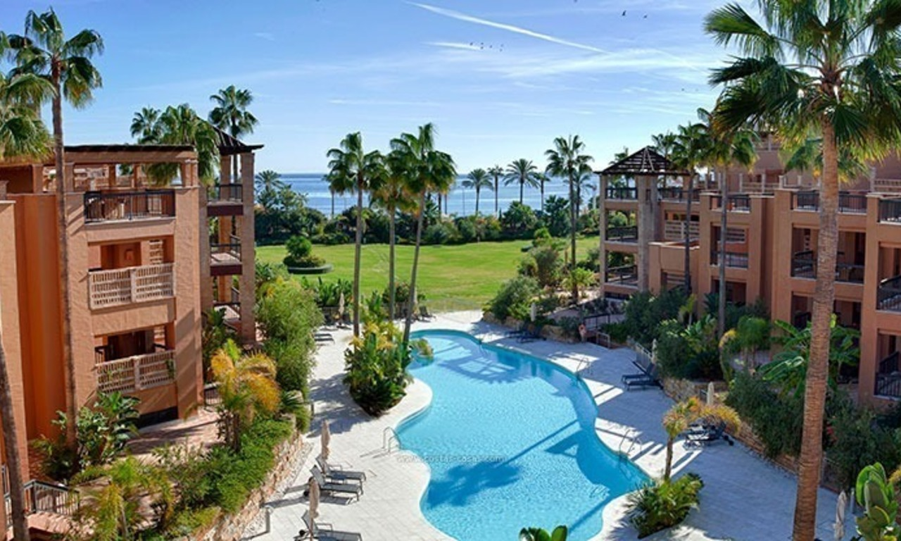For Sale: Beachfront Luxury Apartments in San Pedro - Marbella. Opportunity: 3 bedroom apartment!