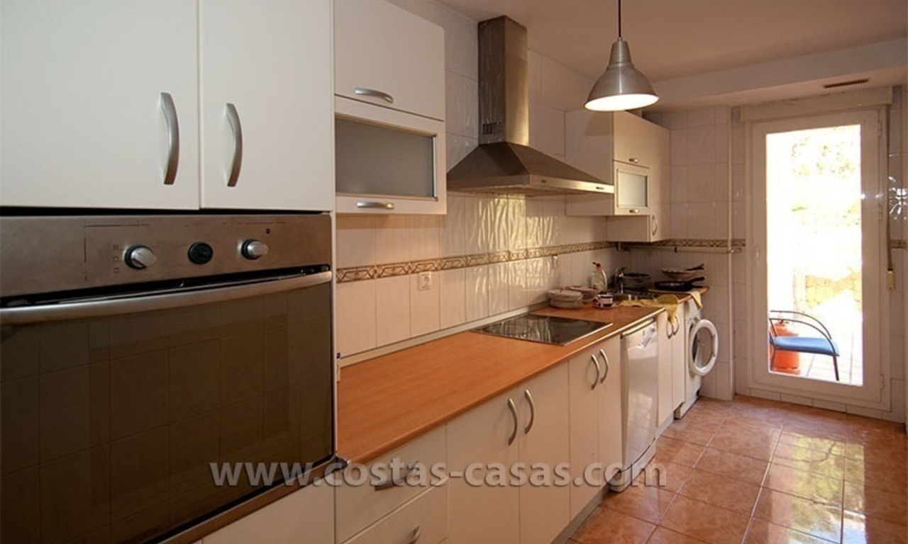 For Sale: Bargain Beach Apartment in Elviria, East Marbella 4