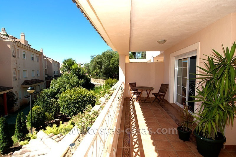 For Sale: Bargain Golf Apartment in Río Real, Marbella