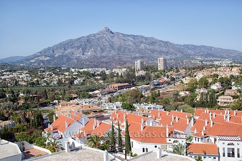 For Sale: Perfectly Located Penthouse Apartment near Puerto Banús, Marbella