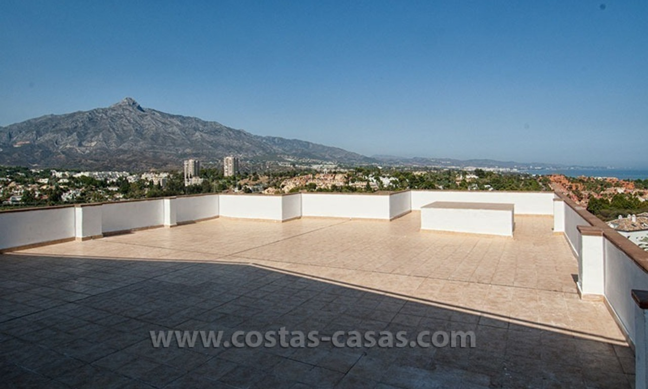 For Sale: Perfectly Located Penthouse Apartment near Puerto Banús, Marbella 3