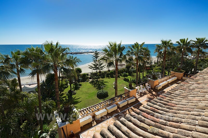 Exclusive beachfront penthouse for sale in Puerto Banus, Marbella