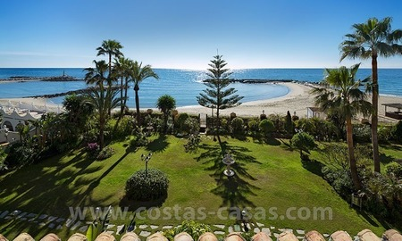 Exclusive beachfront penthouse for sale in Puerto Banus, Marbella 3