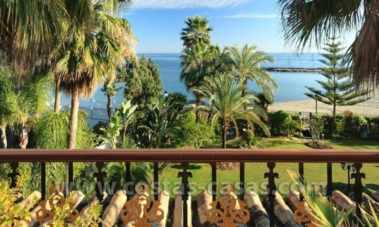 Exclusive beachfront penthouse for sale in Puerto Banus, Marbella 4