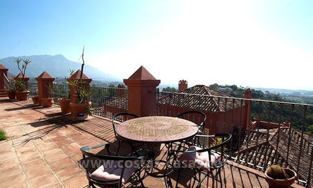 Opportunity For sale: Spacious Luxury Apartment in Benahavis – Marbella 1