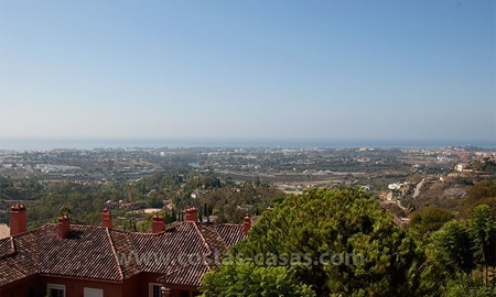 Opportunity For sale: Spacious Luxury Apartment in Benahavis – Marbella 2
