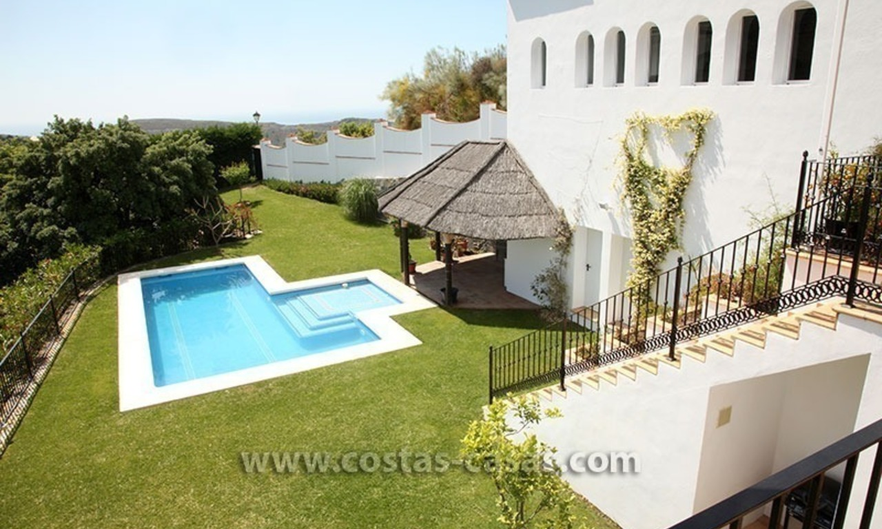 For Sale: Classic Villa at Country Club in Benahavís, Marbella 3