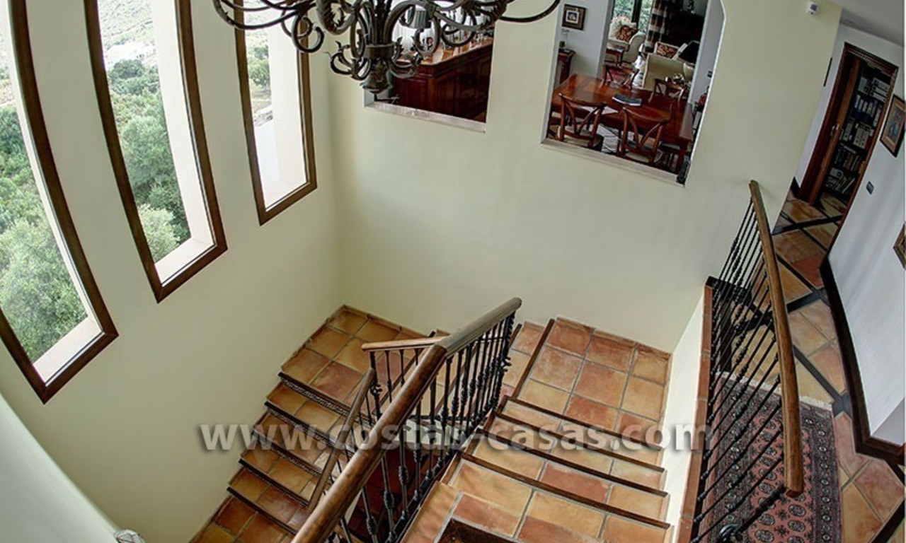 For Sale: Classic Villa at Country Club in Benahavís, Marbella 17