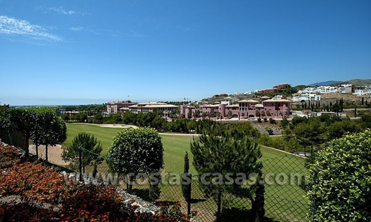 For Sale: Contemporary Luxury First-line Golf Apartment in the Marbella – Benahavís – Estepona Triangle 22