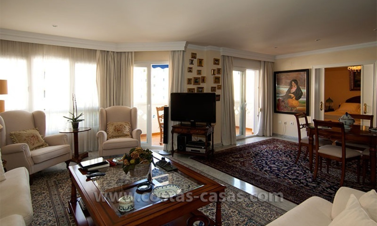 For Sale: Spacious Apartment in downtown San Pedro – Marbella 2