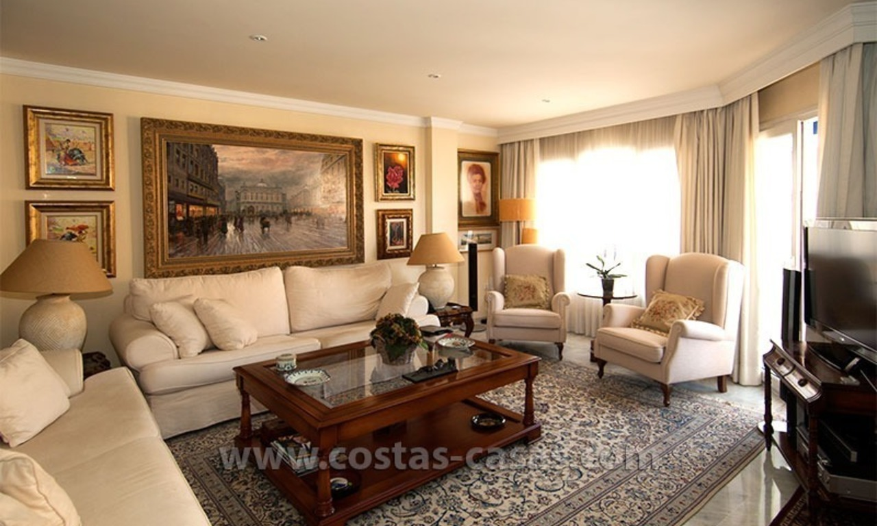 For Sale: Spacious Apartment in downtown San Pedro – Marbella 3