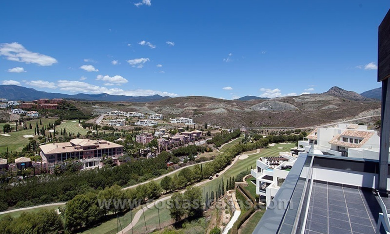 For Holiday Rent: Brand New Modern Luxury Apartment with Fabulous Sea Views, Golf Resort, between Marbella and Estepona 1
