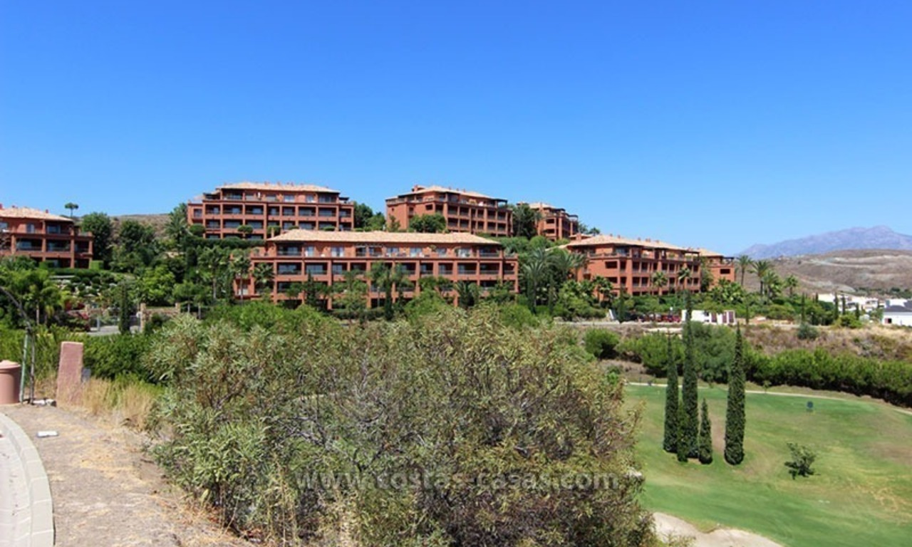 For Sale: Excellent Apartment at Golf Resort in Benahavís – Marbella 1