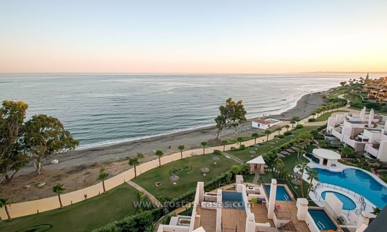 Resale: Exclusive Beachfront Modern Penthouse, New Golden Mile, Marbella – Estepona 22