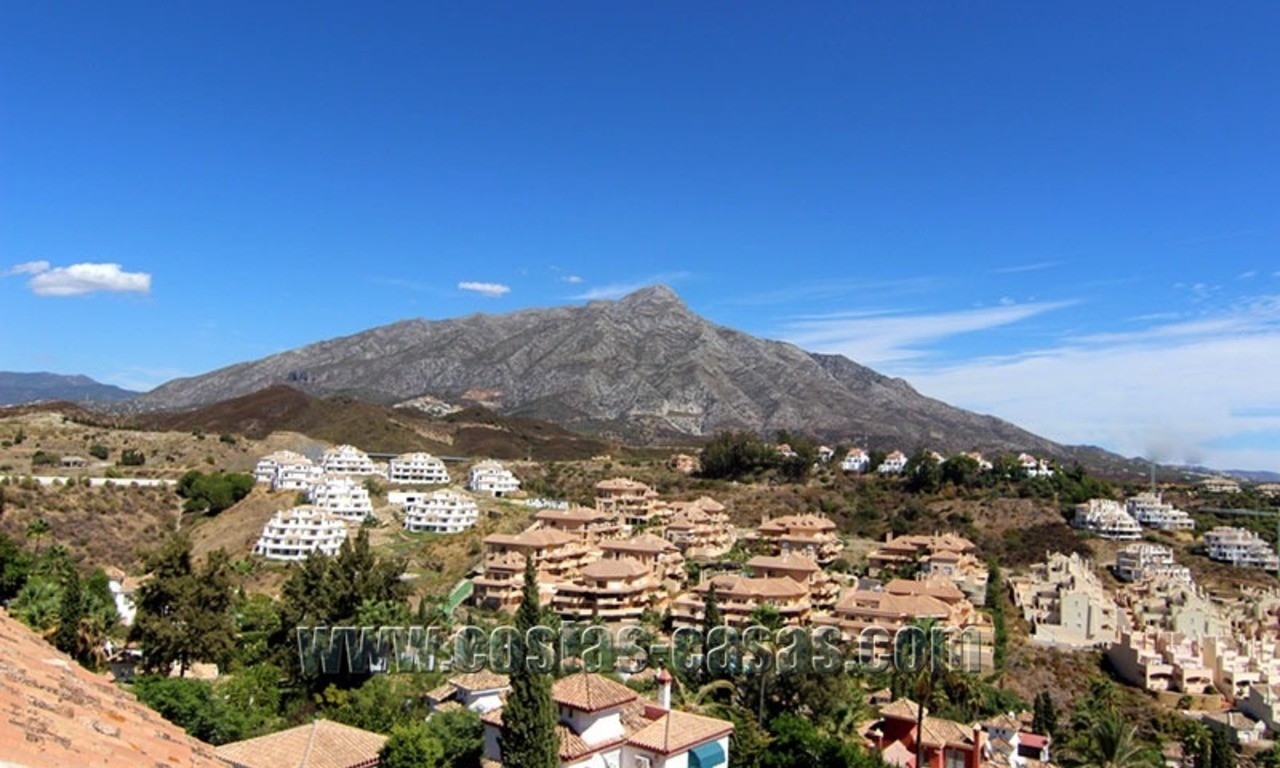 For Sale: Large Luxury Penthouse in Nueva Andalucía, Marbella's Golf Valley 6