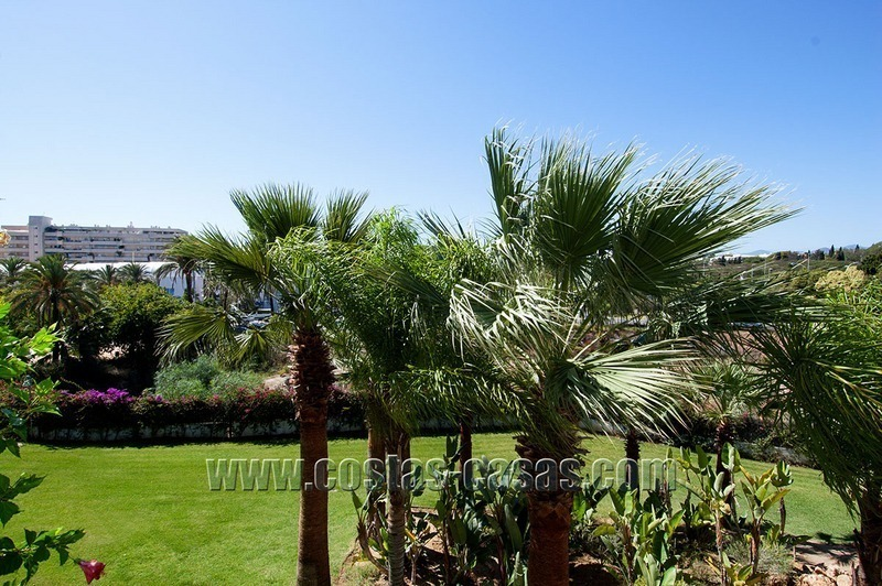 For Sale: Cosy Frontline Beach Apartment in the Heart of Puerto Banús – Marbella 1