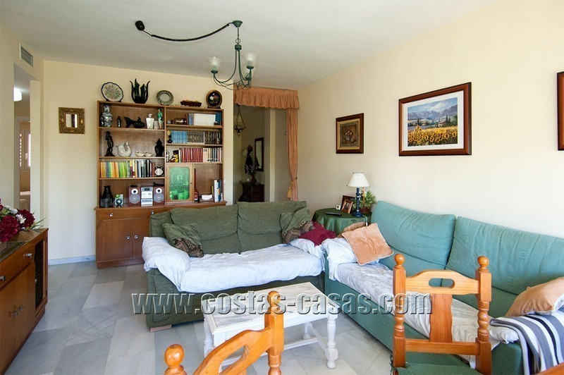 For Sale: Cosy Frontline Beach Apartment in the Heart of Puerto Banús – Marbella 2