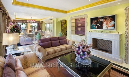 Exclusive beachfront penthouse for sale in Puerto Banus, Marbella 6