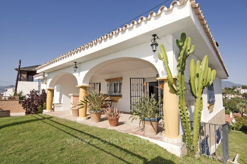 Renovation project – villa for sale in Nueva Andalucia, Marbella