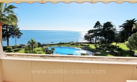 Beachfront apartment for sale, first line beach apartment complex, New Golden Mile, Marbella - Estepona 1