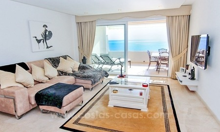 Beachfront apartment for sale, first line beach apartment complex, New Golden Mile, Marbella - Estepona 3
