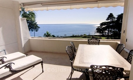 Beachfront apartment for sale, first line beach apartment complex, New Golden Mile, Marbella - Estepona 2