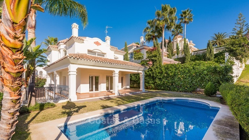 Bargain! Beautiful frontline golf villa for sale in San Pedro, Marbella 10798