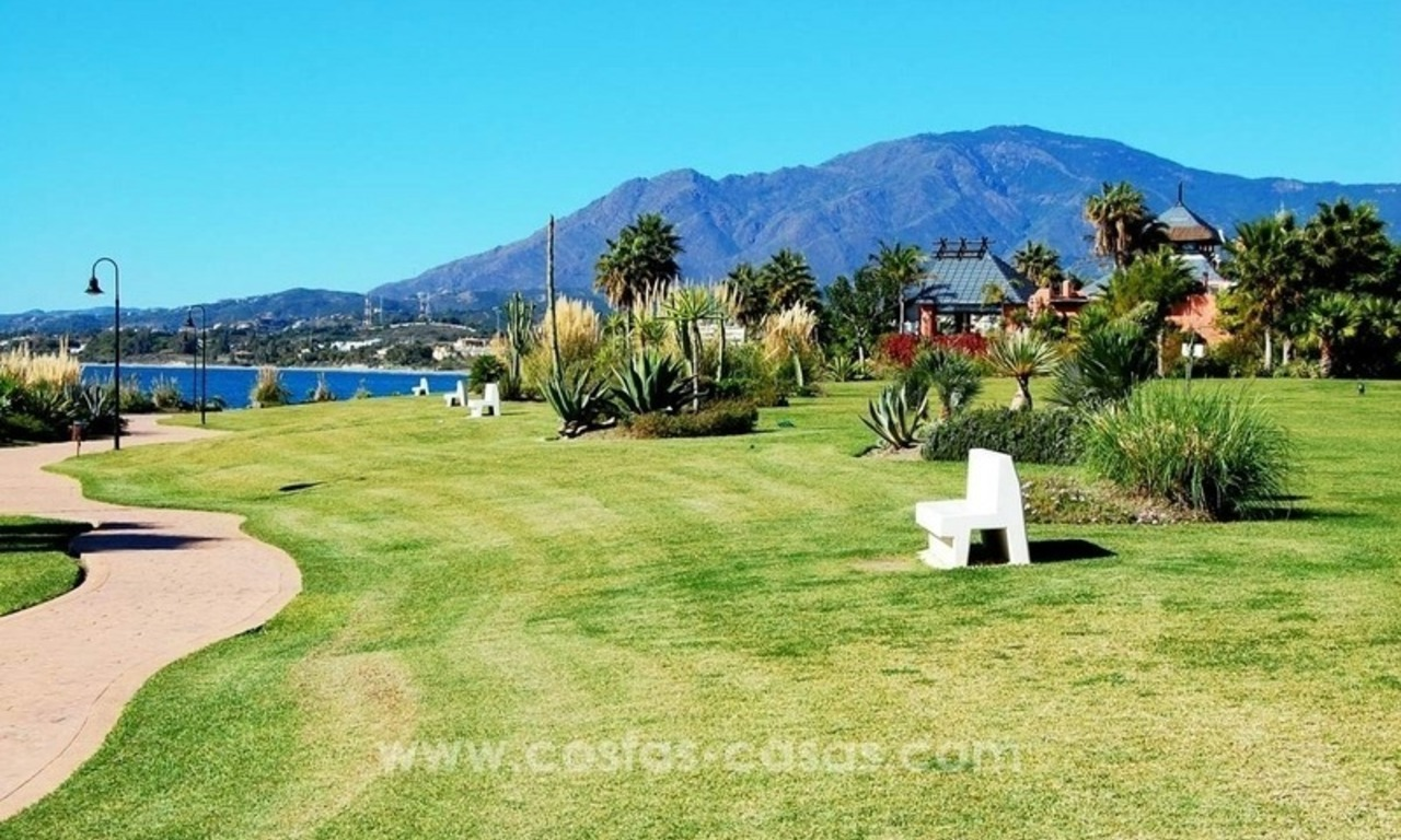 Luxury front line beach apartment for sale, first line beach complex, New Golden Mile, Marbella - Estepona 24