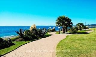 Luxury front line beach apartment for sale, first line beach complex, New Golden Mile, Marbella - Estepona 23