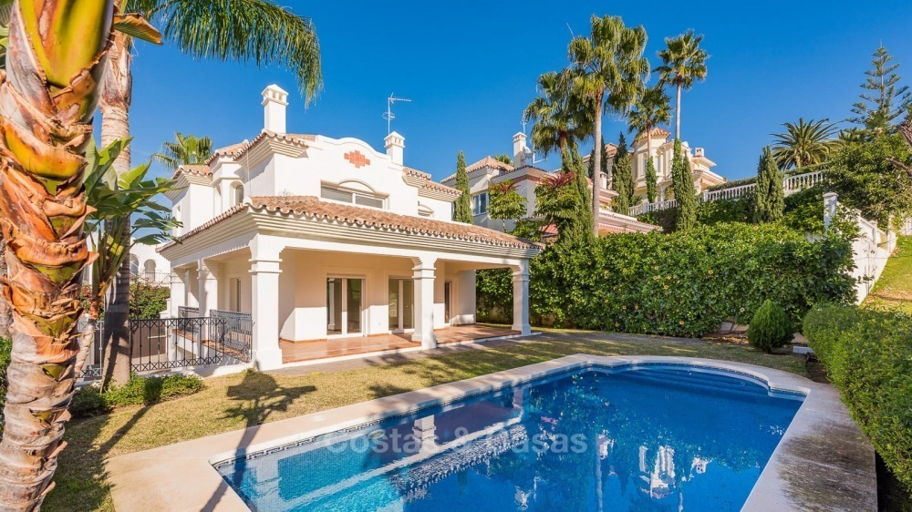 For Sale in San Pedro Marbella: Immaculate first line golf villa 10776