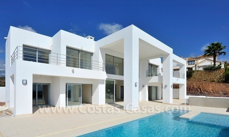 Luxury modern style villas for sale in Marbella - Benahavis