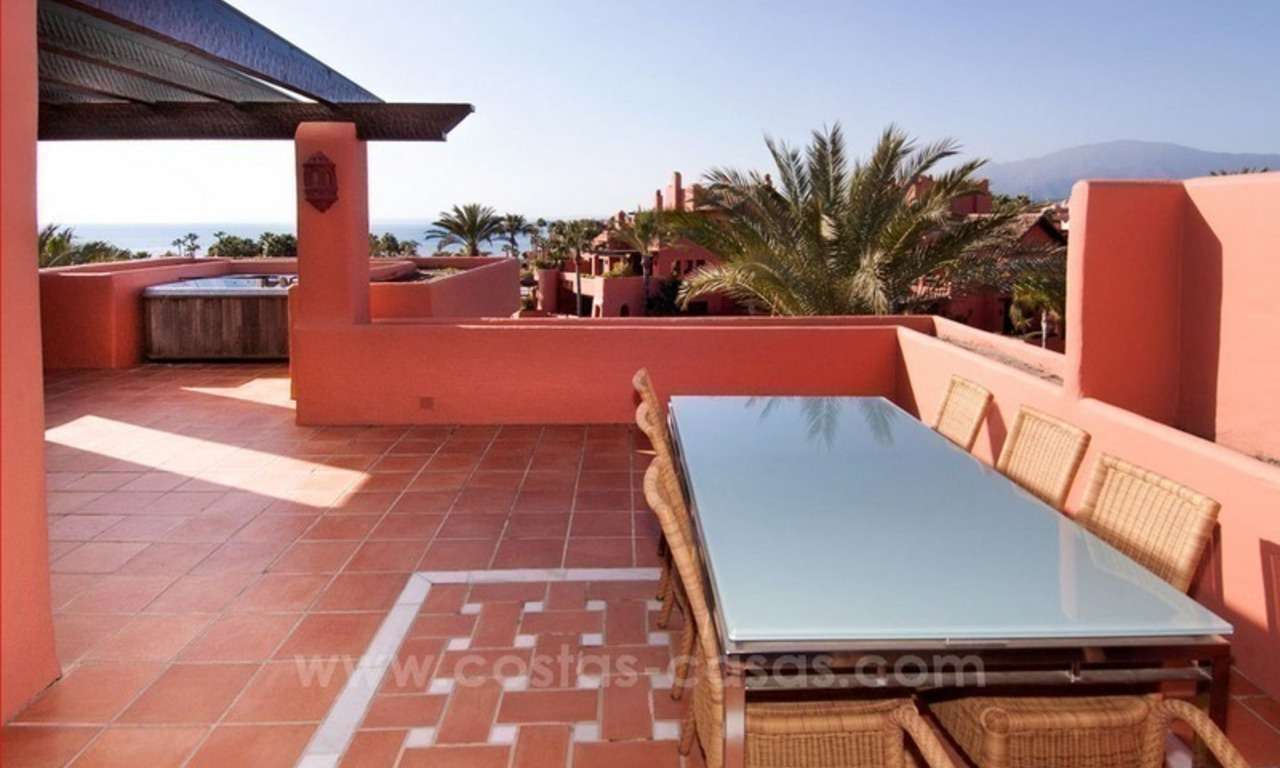 Luxury penthouse for sale, first line beach complex, New Golden Mile, Marbella - Estepona 1