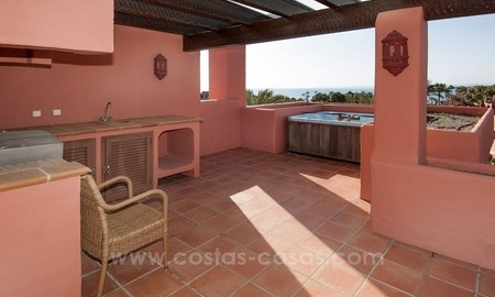 Luxury penthouse for sale, first line beach complex, New Golden Mile, Marbella - Estepona 3