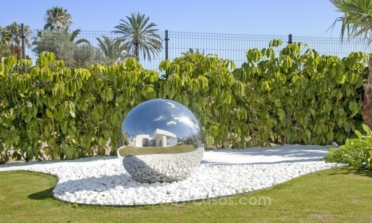 New Modern Villa for Sale on the Golden Mile in Marbella 25