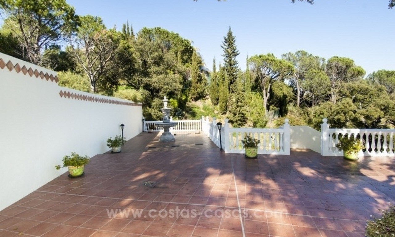 For Sale in El Madroñal - Benahavis - Marbella: A charming 4 bedroom villa in the exclusive gated community with excellent sea views 10