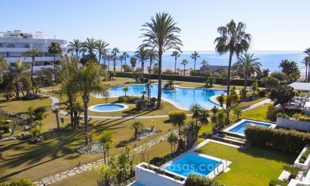 Exclusive apartment for sale in a beachfront complex in Puerto Banús - Marbella 0
