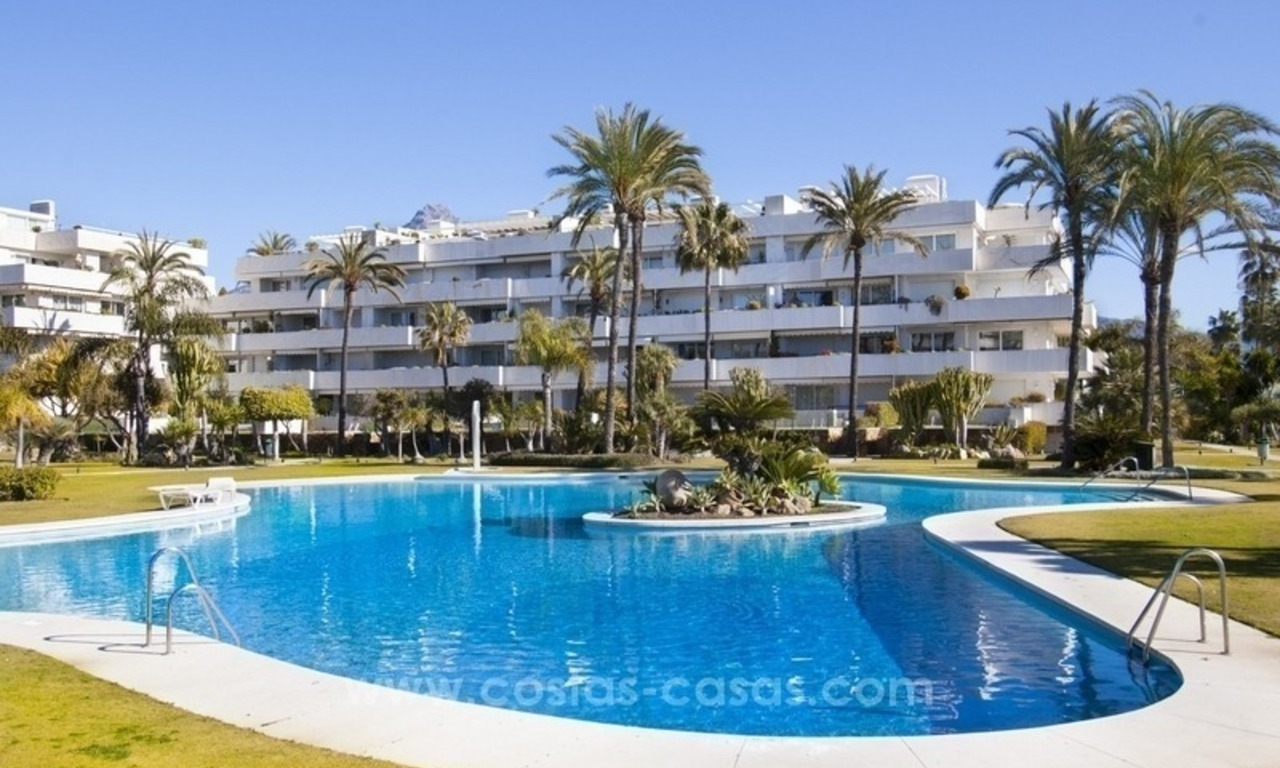 Exclusive apartment for sale in a beachfront complex in Puerto Banús - Marbella 22
