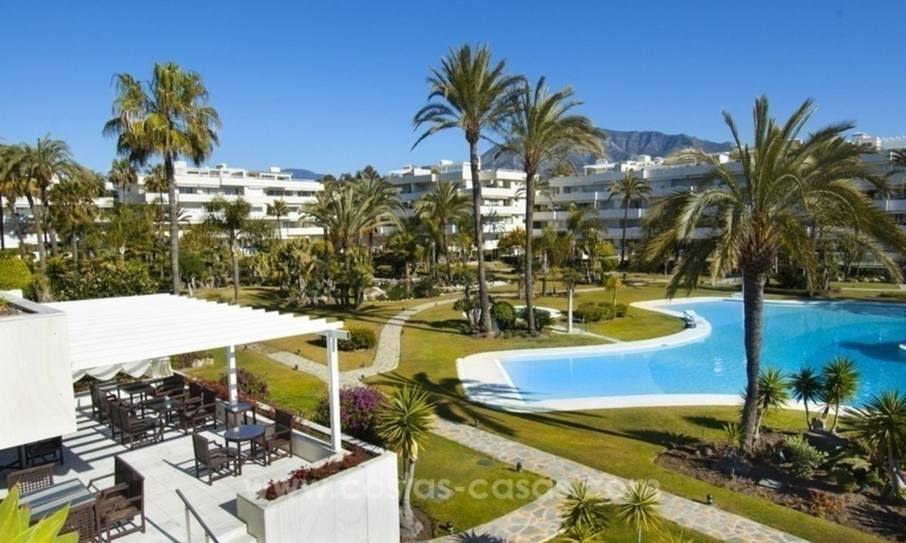 Exclusive apartment for sale in a beachfront complex in Puerto Banús - Marbella 14