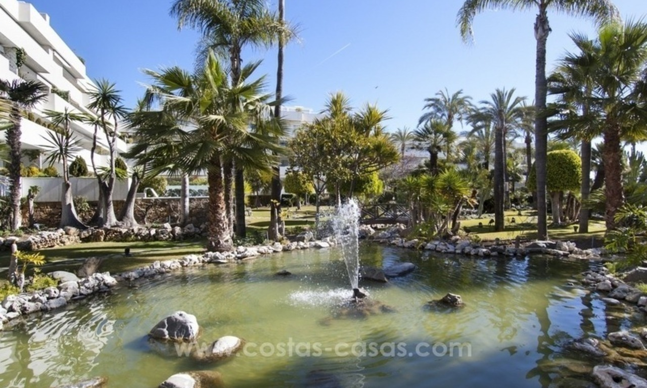 Exclusive apartment for sale in a beachfront complex in Puerto Banús - Marbella 20