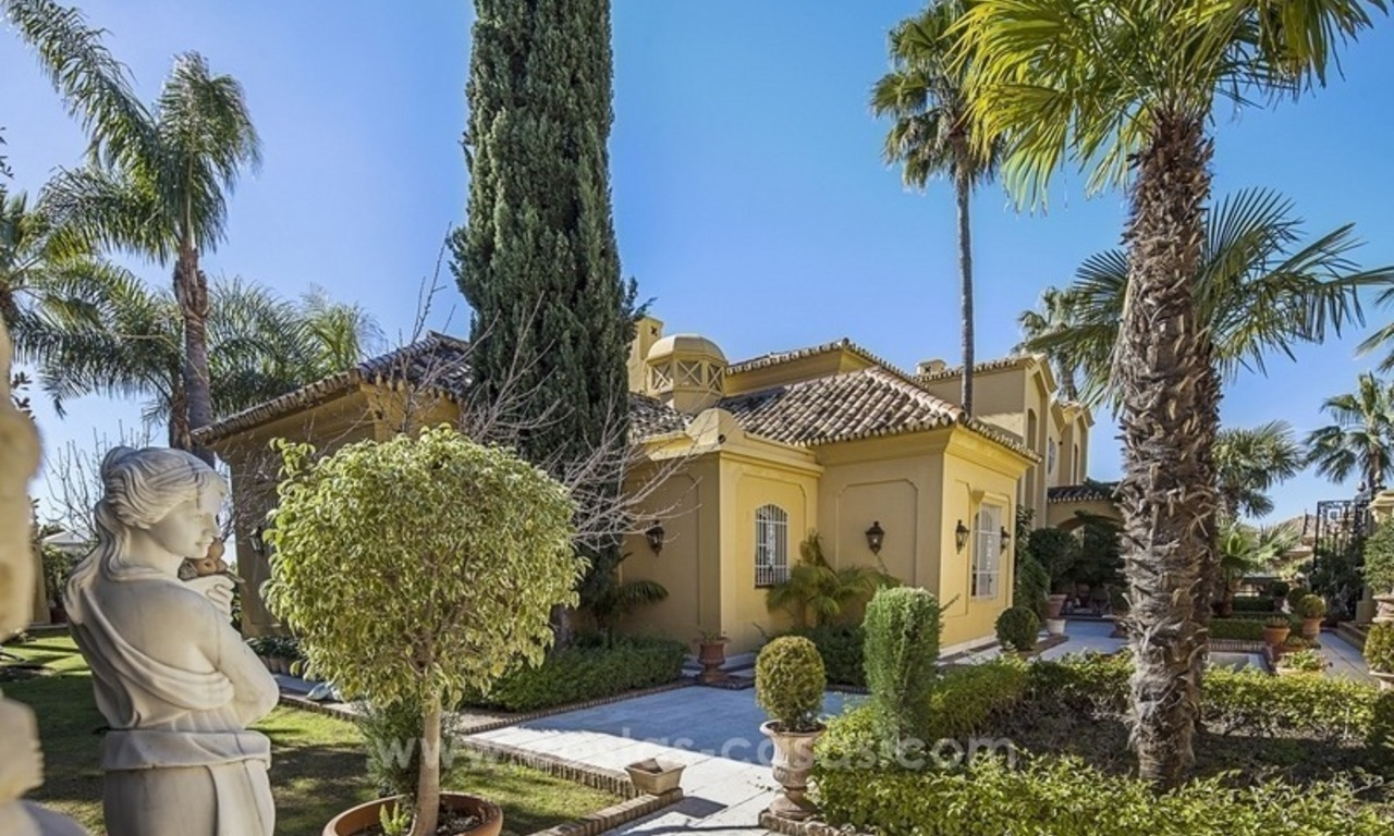 Palatial mansion for sale in exclusive urbanization of Sierra Blanca, Marbella 4