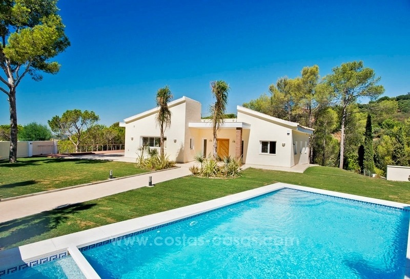 Fully renovated modern quality villa for sale in El Madroñal, Benahavis 1